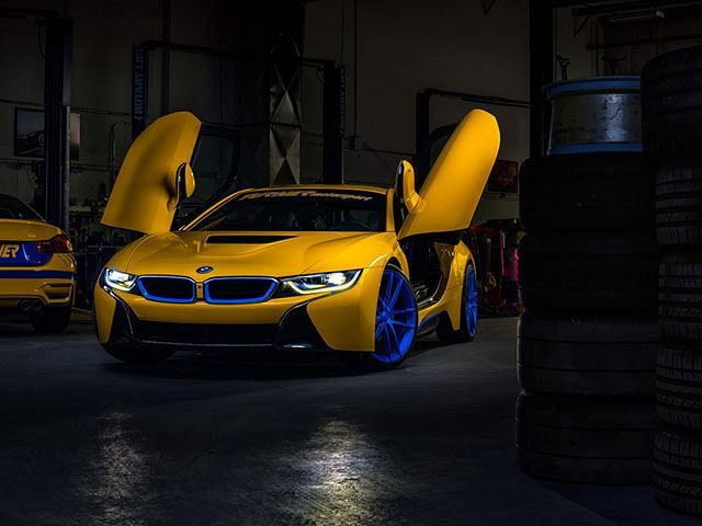 Motorsports bring the Future of sports car in the BMW i8!