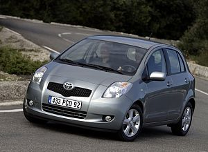 2006 Toyota Yaris Base 1.5 L., 106 hp, 5 speed, Manual, Front-wheel drive