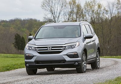 2017 Honda Pilot Touring 3.5 L., 280 hp, 6 speed, Automatic, 4WD